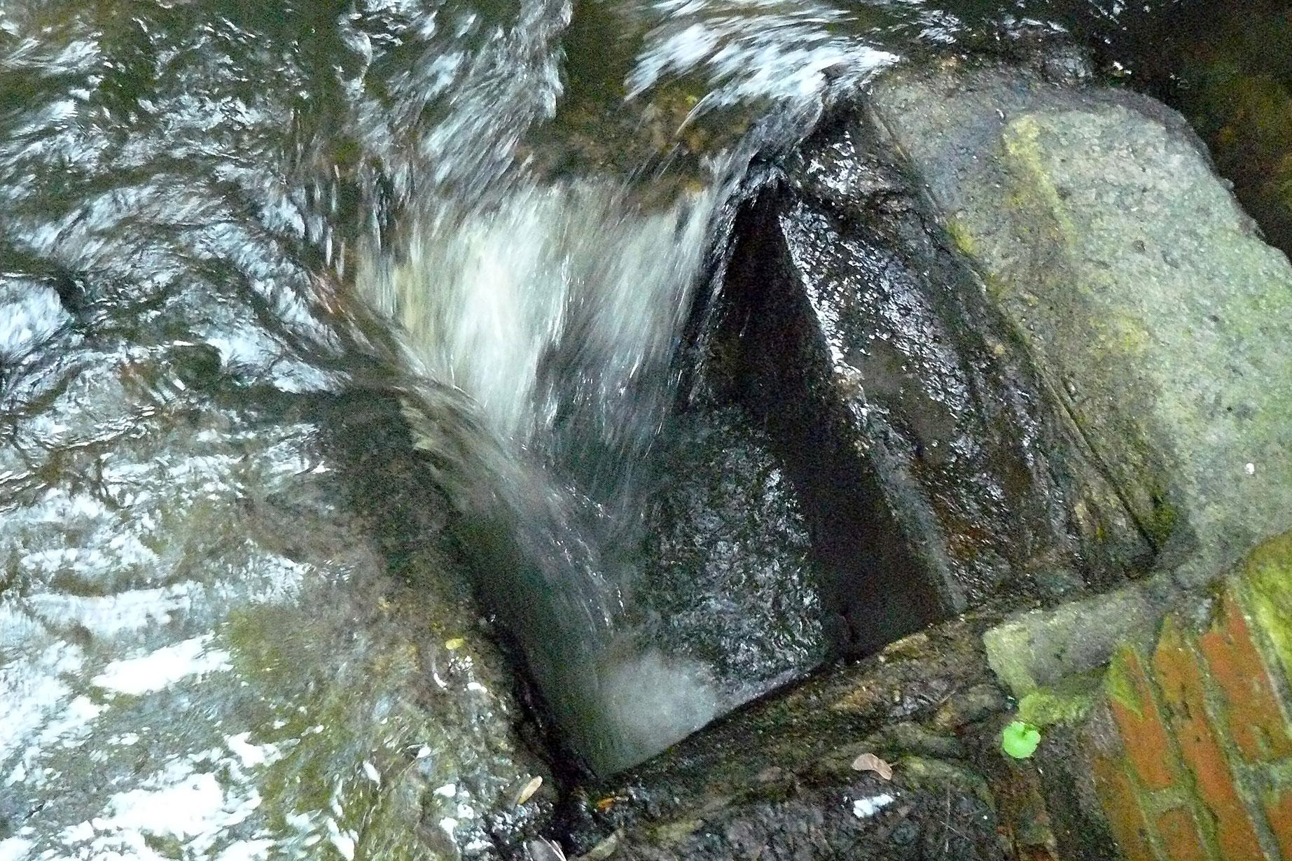Отчёт по практике МГУП инстерГОД Водосбросы после тоннеля под железной дорогой Служат для отвода паводковых вод в ливневую канализацию работают при повышении уровня воды